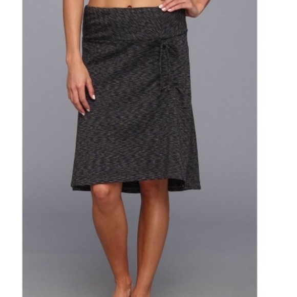 c5b36dcc6 The North Face Cypress Gray/Black Skirt Size XL